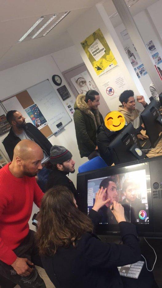 """Journée d'exposition des planches BD réalisé par les jeunes dans le cadre de l'atelier bande dessinée """"les métiers de mon quartier"""" - Les jeunes initier à la palette graphique"""